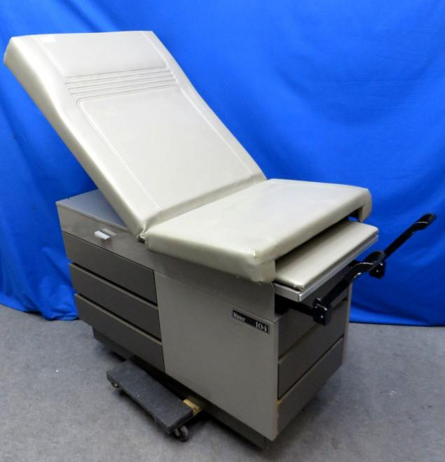 Midmark Ritter 104 Exam Table With Stirrups Grey 90 Day