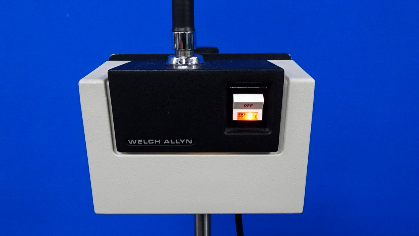 Welch Allyn 48200 Lite Box With Lite Pipe On Rolling Stand